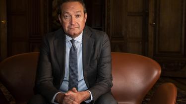 Mandag annoncerede Danske Bank, at bankens administrerende direktør, Chris Vogelsang, stopper, fordi han er mistænkt for at have overtrådt hvidvaskbestemmelserne i sin tid i direktionen for den hollandske bank ABN AMRO.