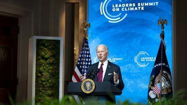 USA's nye klimamål – 50-52 procent reduktion i 2030 – er et spring fremad i forhold til målet fra Barack Obamas tid. Men det er ikke fremskridt nok, siger fagfolk. Her ses Joe Biden til det virtuelle klimatopmøde 'Leaders Climate Summit'.