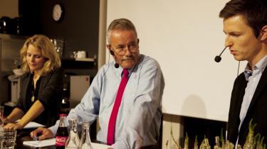 David Rehling fejrer i disse dage sit 25-års jubilæum som skribent på Dagbladet Information. Men ud over at skrive har han også været aktiv på avisen som eksempelvis ordstyrer ved debatter på avisen. På billedet ses han til en debat mellem Johanne Schmidt Nielsen (EL)og Jesper Petersen (S).