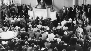 Demokratitænkeren Hal Koch, der her holder forelæsning om Grundtvig, blev under besættelsen udsat for systematisk overvågning af det danske politi, ifølge ny ph.d-afhandling. Ifølge den var tyskerne forargede over omfanget af de danske aflytninger.