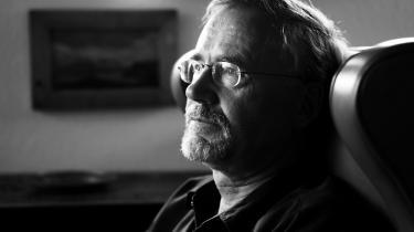 Gunnar Hoydals forfatterskab spænder genremæssigt bredt og omfatter foruden novellerne også digte, skuespil og romaner samt essays, rejseskildringer og bøger om billedkunst.