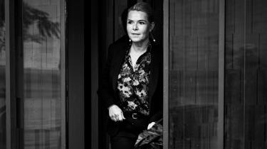 Instrukskommissionen har helt usædvanligt udsendt et nyhedsbrev, der ændrer på kommissionens egen vurdering af de rettigheder, som embedsmænd har, hvis de modtager en tjenestebefaling, der er ulovlig, men ikke klart ulovlig. På billedet ankommer Inger Støjberg til retten på Frederiksberg for at afgive forklaring til Instrukskommisionen i sagen om barnebrude.