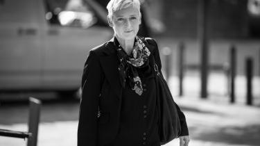 Den af de fem chefer, som får den hårdeste kritik fra kommissionen for at have tilsidesat sin tjenstlige forpligtigelser, er den nu hjemsendte afdelingschef i Udlændinge- og Integrationsministeriet Line Skytte Mørk Hansen.