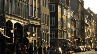 Det var livlægen Struensee, der ifølge en artikel i Berlingske, stod bag ideen om husnumre. Dengang for 250 år siden gav man husene numre fortløbende – og når enden af gaden var nået, fortsatte man tilbage på modsatte side. Det betød, at Gothersgade 1-30 lå over for Gothersgade 329-352.