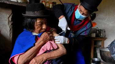 Vaccination i et reservat for den oprindelige befolkning i Colombia.