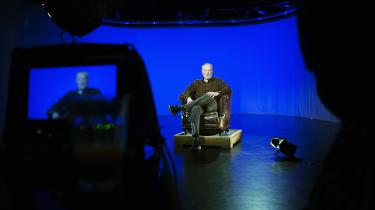 Vælger DR at vinke farvel til tv-programmet 'Troldspejlet' med Jakob Stegelmann (billedet) som vært samt radioprogrammet 'Filmland', vil det efterlade DR uden filmprogrammer. Det går ikke. Arkivfoto.