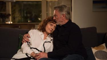'Blackbird' har Susan Sarandon og Sam Neil i de hovedroller, vi så Ghita Nørby og Morten Grunwald i i den originale danske version 'Stille hjerte'
