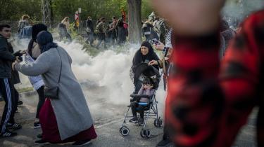 Demonstranterne var mødt op for at vise deres utilfredshed med Israels intensiverede militære angreb på området Gazastriben, der kontrolleres af den palæstinensiske gruppe Hamas. Men ifølge Københavns Politi måtte demonstrationen opløses omkring klokken 17, da der opstod »omfattende uorden« til den ellers lovlige demonstration