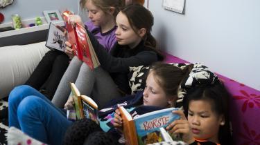 Folkeskolebørn i dag lærer ikke, hvordan man oplever skønlitteraturen som lyst og underholdning, skriver dagens kronikører.