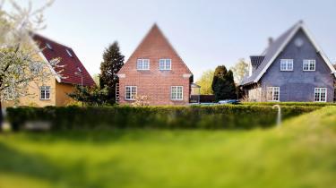 Mens boligpriserne er fortsat med at stige 12 måneder i træk, fortsætter også debatten om, hvilke indgreb der bedst kan tøjle problemet.