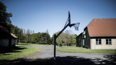 Tidligere asylcenter Holmegaard ved Bagenkop på Sydlangeland skal være nyt udrejsecenter til udvisningsdømte udlændinge.