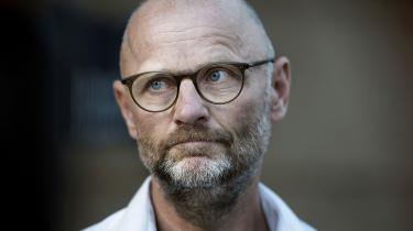 Der er hverken tale om et generationsskifte eller et stilskifte, når Henrik Qvortrup afløser Poul Madsen som øverste chef for Ekstra Bladet.