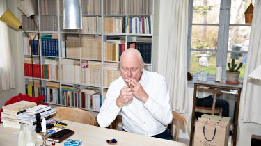Søren Gosvig Olesen har begået en uovertruffen introduktion til nogle af det 20. århundredes vigtigste franske tænkere. Men også et oplæg til debat om alt det, udvalget i bogen fortier.
