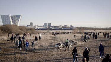 Der er andre steder at bygge i København end Lærkeslettenog Stejlepladsen,siger Line Barfod,Enhedslistens borgmesterkandidat til valget i København.Her ses demonstranterpå den del af Amager Fælled, som aktivisterne kalder Lærkesletten.