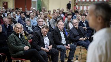 Udlændinge- og integrationsminister Mattias Tesfayes planer om at oprette et udrejscenter i Bagenkop på Langeland mødte øjeblikkeligt store lokale protester. Det samme gjorde planerne på Christiansborg, så tirsdag måtte regeringen trække planerne tilbage.