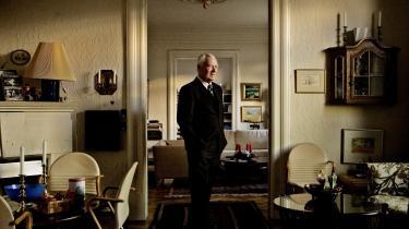 I sine senere år klagede Schlüter over, at tiden i hans store Frederiksberg-lejlighed faldt ham lang. De gamle konservative ministerkolleger, som han havde holdt festlige mindelag med, døde én efter én.