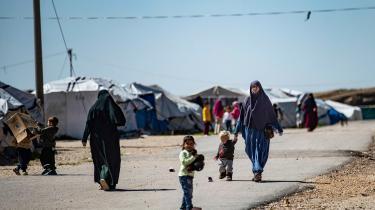 De danske læger udsendt til Syrien skulle have tilset alle 19 børn, men kun fire mødre med i alt ti børn gav samtykke til at lade børnene undersøge. I notatet står der, at alle ti børn udviser symptomer på angst, tristhed, koncentrationsbesvær og rastløshed.