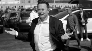 Prisen på Bitcoin er faldet voldsomt. Det kan blandt andet være udløst af, at Tesla-milliardær Elon Musk har trukket en mulighed for, at man kunne købe Teslaer med Bitcoin tilbage og udtrykt bekymring over det enorme energiforbrug, der går til produktionen af de digitale valutaer.