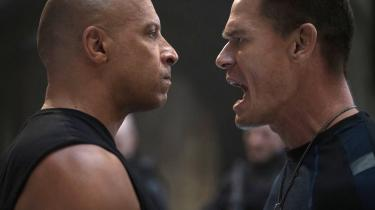 John Cena (til højre) i en scene med Vin Diesel fra den nyeste film i Fast & Furious-serien.