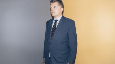 Venstres nyudnævnte medieordfører Jan E. Jørgensen forsvarer nu DR som en bred, kulturbærende, vigtig institution. Han forsvarer såmænd X-Factor, der med hans ord »har gjort mere for integrationen end nogen integrationsminister«.