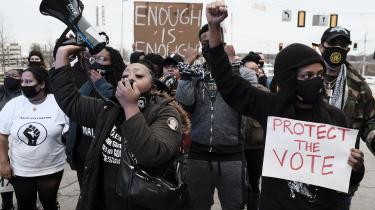 Demonstranter i Atlanta, Georgia protesterede i marts imod lovgivning, de mener, vil resultere i øget vælgerundertrykkelse.