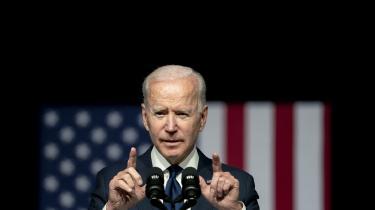 Den 26. maj bebudede præsident Joe Biden, at han havde givet efterretningstjenesternes tre måneder til at undersøge teorien om at coronavirus var undsluppet fra et laboratorium i Wuhan.