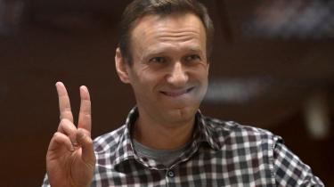 Ruslands oppositionsleder, Aleksej Navalnyj, er i dag forhindret i at tage imod en stor menneskerettighedspris i Genève, derfor tager hans datter imod den.