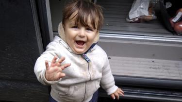 Norsk politi konkluderede mandag, at det var den 15 måneder gamle kurdisk-iranske dreng, Artin Iran Nezhad, som var skyllet op på den norske kyst nytårsdag. Han forliste med sin familie i forsøget på at krydse Den Engelske Kanal fra Calais i slutningen af oktober, men liget af ham blev ikke bjærget, før det dukkede op i Norge.
