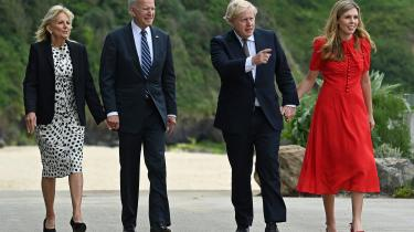 USA's præsident, Joe Biden, har netop været på besøg i Storbritannien. Ved et efterfølgende pressemøde afviste Storbritanniens premierminister, Boris Johnson, at Biden havde lagt pres på ham for at få løst striden med EU om den såkaldte Nordirland-protokol.