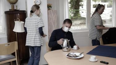 For Informations udsendte og mange radiofolk står 'P1 på plejehjem' som et højdepunkt i dansk radiohistorie. Vi inviterede Mikael Bertelsen med tilbage på et sidste besøg på plejehjemmet, der nu er ved at blive fjernet fra jordens overflade, til en snak om at lave radio til arkiverne