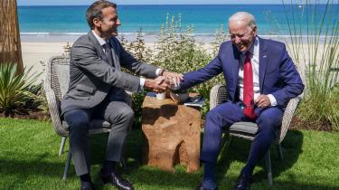 Dette års topmøde i Cornwall, England, blev en velkommen begivenhed. Angela Merkel, Emmanuel Macron (tv.) og Boris Johnson virkede næsten kåde over at være i selskab med den joviale Joe Biden.