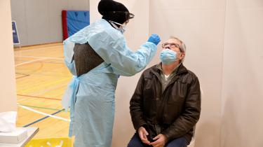 Både kviktest og PCR-test kan fange den nye Delta-variant af COVID-19. Her er det Steffen, der er ved at blive testet i Kokkedal tilbage i marts.
