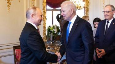 Forventningerne til topmødet mellem de to verdensledere var ikke store. Biden synes at have fået mindst ud af præsidenternes dialog. Putin trækker det længste strå ved at blive set og hørt på lige fod med amerikaneren