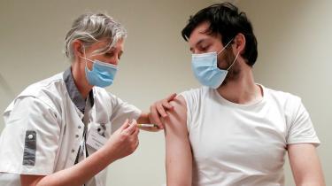 De første data for den tyske CureVac-vaccine viser, at den kun er 47 procent effektiv. Dermed ser en af de vacciner, som skulle have spillet en afgørende rolle i kampen mod corona i Danmark og på verdensplan, ikke ud til at kunne indfri forventningerne
