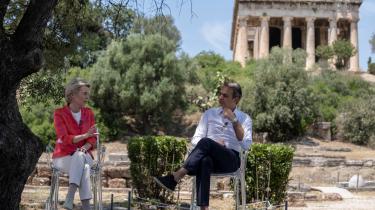 EU-Kommissionens formand, Ursula von der Leyen, mødtes torsdag med den græske premierminister Kyriakos Mitsotakis, inden hun drog videre til Danmark.