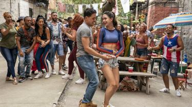 Der synges, danses og flirtes i Jon M. Chu og Lin-Manuel Mirandas pragtfulde sommermusical, 'In the Heights'.