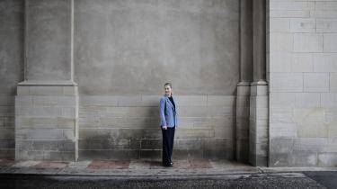 En indædt kappestrid om den samme gruppe af vælgere i centrum af dansk politik er indledt. Mest opsigtsvækkende har De Radikales leder, Sofie Carsten Nielsen, luftet tanken om at indgå i en fremtidig regering sammen med Liberal Alliance