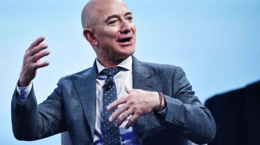 Titusinder har skrevet under på en underskriftindsamling, der opfordrer Jeff Bezos til aldrig igen at sætte sine ben på Jorden.