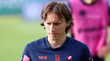 Det er svært at finde på noget dårligt at sige om midtbanespilleren Luka Modric, som nogle vil mene, er Kroatiens bedste spiller nogensinde. I aften møder Kroatien så Skotland, der for første i 23 år er med i en international turnering.