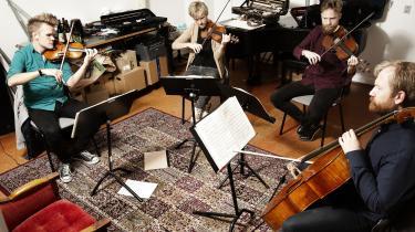 Der er ingen grund til at blive ved jorden i lovprisningen af albummet 'Prism III. Beethoven, Bartók, Bach' fra Den Danske Strygekvartet, som her er fotograferet under prøver på Det Kgl. Danske Musikkonservatorium.