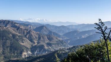 Da de klimaskadelige udledninger bremsede op med starten af coronapandemien, kunne man se forbløffende fotos af Himalaya, som pludselig blev synlig i Nordindien, da årtiers smog tog af.