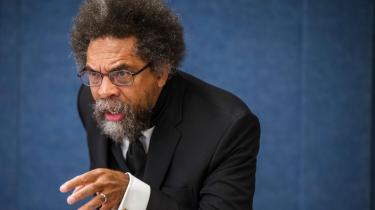 Cornel Wests gennembrudsværk 'Et spørgsmål om race' udkom i 1993 i kølvandet på Rodney King-optøjerne. Nu – et år efter mordet på George Floyd – foreligger det på dansk.