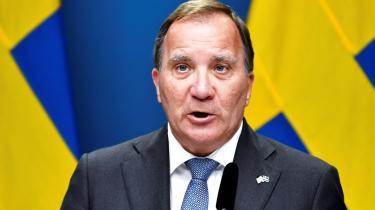 Foreløbig har Stefan Löfven til på mandag til at afgøre, om han vil udskrive valg eller lade Riksdagens formand indlede forhandlinger om en ny regeringsdannelse. Bøjer hverken Sabuni eller Lööf sig, styrer vores naboland mod politisk ustabilitet.