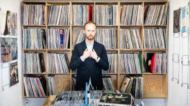 Jeg kan ikke komme i tanke om en kunstart, der udvikler sig mere og hurtigere end popmusik, siger Anders Reuter, der har skrevet en p.hd. om popmusik.
