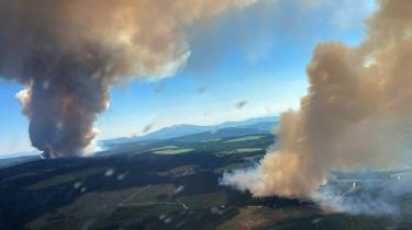 Den canadiske by Lytton var torsdag under evakuering efter flere brande i området.