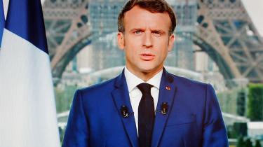 I sin ottende tv-tale til nationen om pandemien bekendtgjorde Emmanuel Macron mandag, at Frankrigs regering påtænker en ny slags foranstaltninger mod COVID-19-smitte.