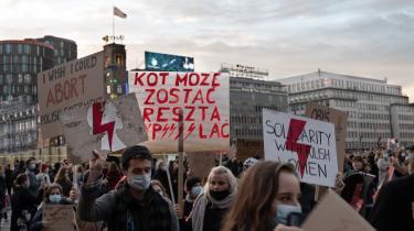 Demonstration mod den polske abortlovgivning på Rådhuspladsen i København i november 2020. Nu foreslår flere partier at se på, hvordan man kan tilbyde polske kvinder at få en abort i Danmark.