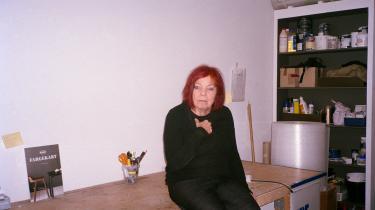 Det handler for Kirsten Dehlholm om at have respekt for værket, når man benytter sig af andres kunst. Hun lånte fortællingen om den egyptiske underverden fra Harald Voetmanns langdigt og udelod sanselige og mærkelige passager i forestillingen 'Amduat. En iltmaskine.' Serien om kunstneriske fravalg tager en tur i teateret