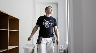 Dins Grants fra Letland og hans firma en del af et voksende fænomen med udenlandsk arbejdskraft i Danmark. Der er nu 230.000 fuldtidsansatte udlændinge i Danmark, hvilket er ti procent af den samlede arbejdsstyrke.
