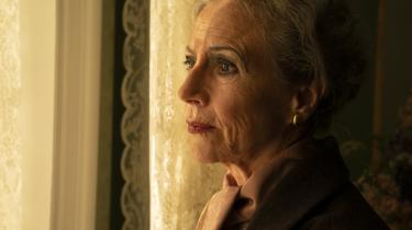Birthe Neumann i rollen som Karen Blizen i 'Pagten'.